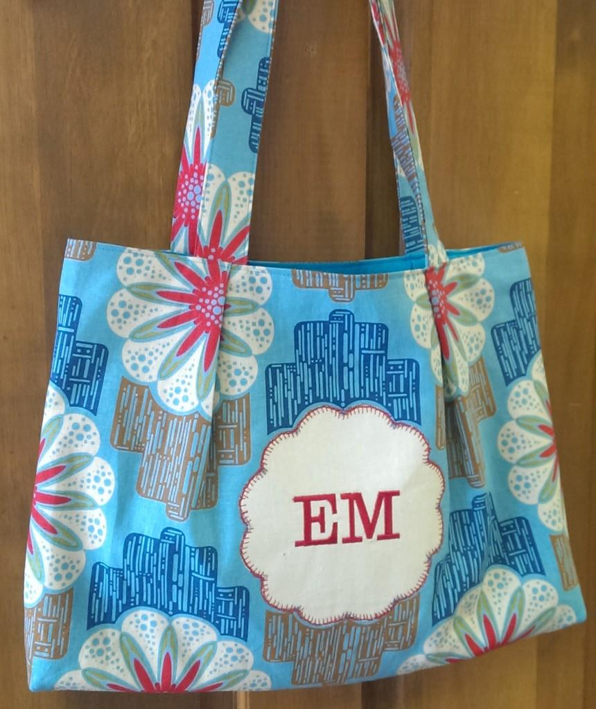 close 860x1024 Sweet & Simple Bag to Sew with Easy Reverse Applique