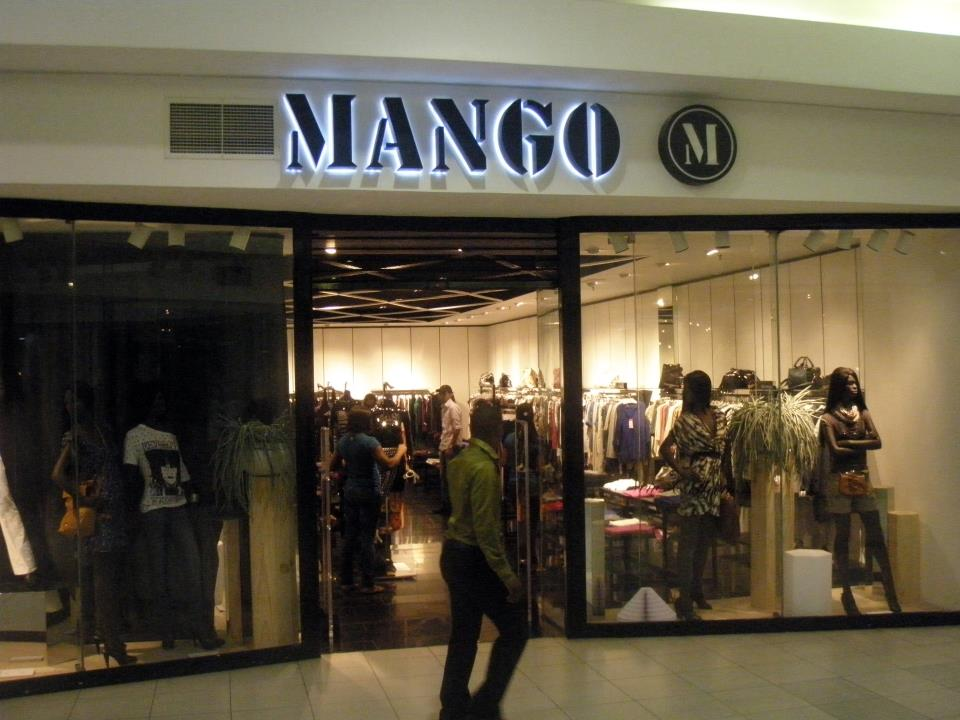 A Mango shop in the Palms Mall, sited in Victory Island, Lagos (Nigeria).