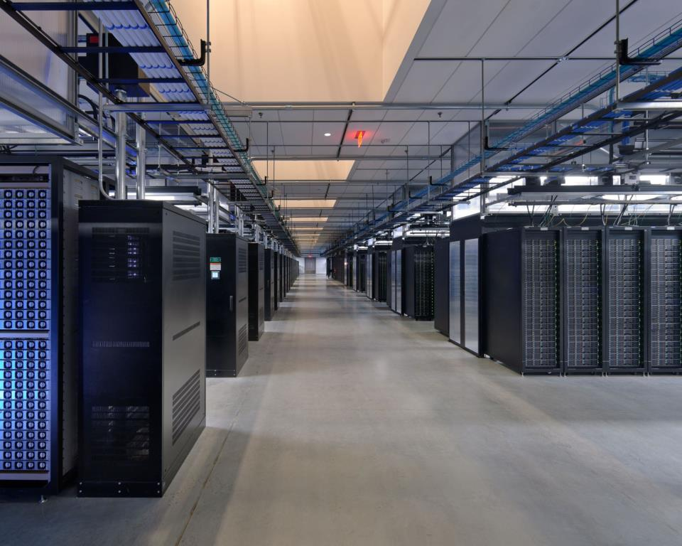 Facebook Prineville data center server room image 001